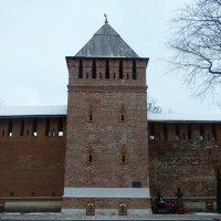 Вечный огонь у башни Донец крепостной стены Смоленска. :: Galina Leskova