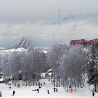 Хорошо на горнолыжке в городе у нас... :: Александр Попов