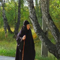 По аллеям монастыря... :: Елена Ярова