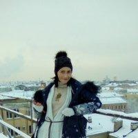 Моя подруга Наташа на крыше Лофт Проект ЭТАЖИ! :: Светлана Калмыкова