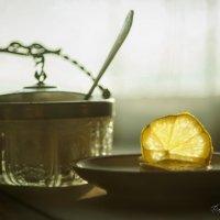 В морозный день лимон как солнце :: Владимир Шустов