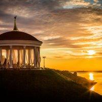 Закат на Амурской протоке :: Дмитрий Гольнев