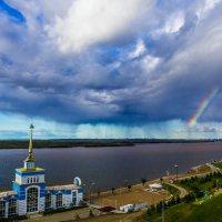 Дождь над городом :: Дмитрий Гольнев