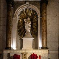 В соборе, Генуя :: Witalij Loewin