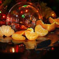 новогодний мандарин :: Lena