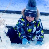 Малыш и снеговик :: bi-s