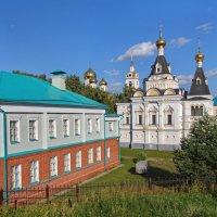 Вид на Елизаветинскую церковь :: Константин