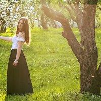 В яблоневом саду :: Алексей MOPS Чулков