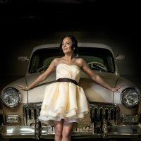 Портрет невесты. Ретро автомобиль. Букет. :: Сергей Гаварос