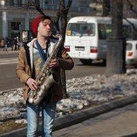За положительные эмоции подают  больше :: Николай Сапегин