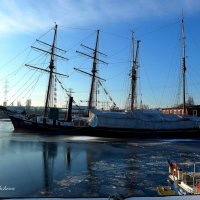 Про парусник и лёд на реке :: Nina Yudicheva