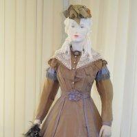 На выставке одежды :: Ростислав