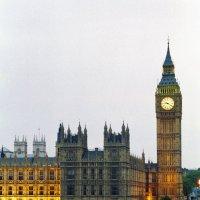 Вестминстерский дворец. Элизабет башня. (вид с противоположного берега) :: Cepheus