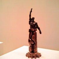 Статуя свободы.  Эрнст Неизвестный /выставка в Манеже/ :: Larisa Ereshchenko
