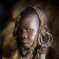 Девочка из племени мурси :: Андрей Артамонов (artamonoff2009)
