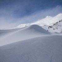 Барханы на подступах к вершине Эльбруса :: Zifa Dimitrieva