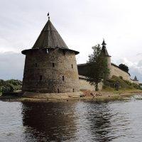 Башня псковского кремля :: Григорий