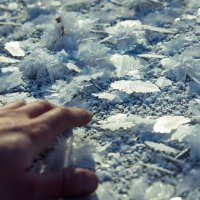 Снежинки (на водоёме) :: Evgen77761