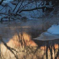 Вечерняя заря в реке купается :: Владимир Максимов