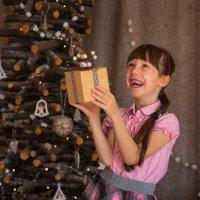Ура, подарки! :: Мария Калиниченко