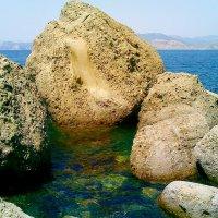 Камни в море :: Виктор Шандыбин