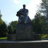 Памятник  Шевченко  в  Калуше :: Андрей  Васильевич Коляскин