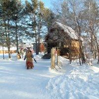 баба яга проводит ПХД на территории своего жилища :: Иван