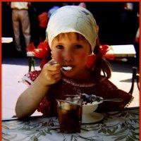 Кафе-мороженое, 1991 год :: Андрей Заломленков