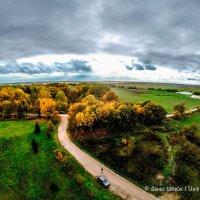 Аэрофотоавтопортрет на фоне осеннего пейзажа. Возле детской деревни Салем. :: Денис Штейн