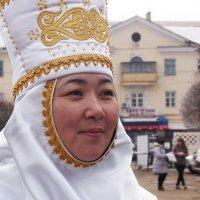 Казашка в национальном костюме, :: Николай Сапегин