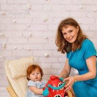 Рыжая принцесса с мамочкой :: Ксюша Богомолова