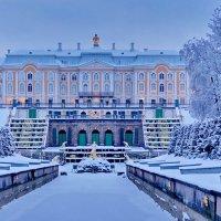 в любое время года-КРАСИВ дворец :: Валентина Папилова