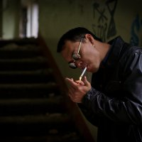 Вкусно курит :: Максим Дербенев