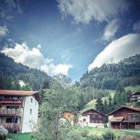 Высоко в горах, деревушка в Швейцарских Альпах. :: Арсен Гуварьян