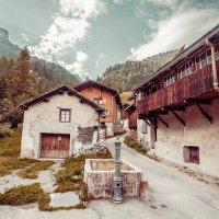 Деревушка в горах, Альпы, Швейцария :: Арсен Гуварьян