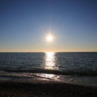 Солнце на закате :: valeriy khlopunov