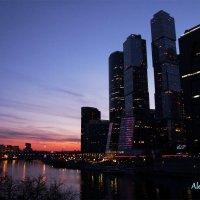 город на закате :: Alena Karpova