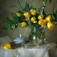 Этюд с желтыми тюльпанами :: lady-viola2014 -