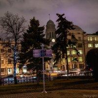 Один вечер в городе... :: Виктор М