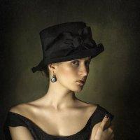 Девушка в шляпке :: Evgeny Kornienko