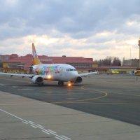 Б 737 а/к Скай Экспресс :: Alexey YakovLev
