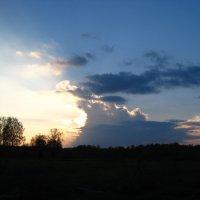 Поедание солнца... :: Дмитрий