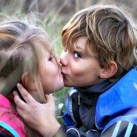 Первый поцелуй :: лада шлёнова