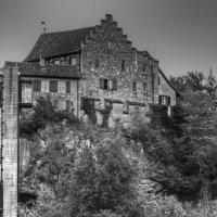 замок на скале :: Александр Корчемный