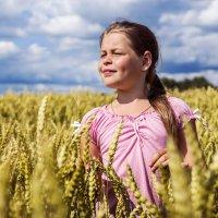 В поле :: Анастасия Алексеева