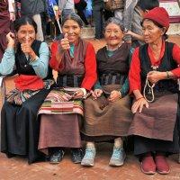 Непальские девушки. :: Ирина Токарева