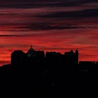 Зимний закат над городом :: Михаил Лобов (drakonmick)