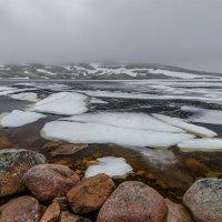 Озеро Лапьявр в июне. :: Альберт Беляев