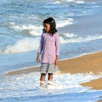 Девочка на пляже 2/2 :: Асылбек Айманов