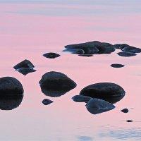 Вода, рассвет и камни :: Владимир В
